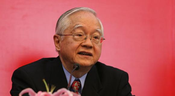 吴敬琏狠批三驾马车理论 称中国泡沫高过日本